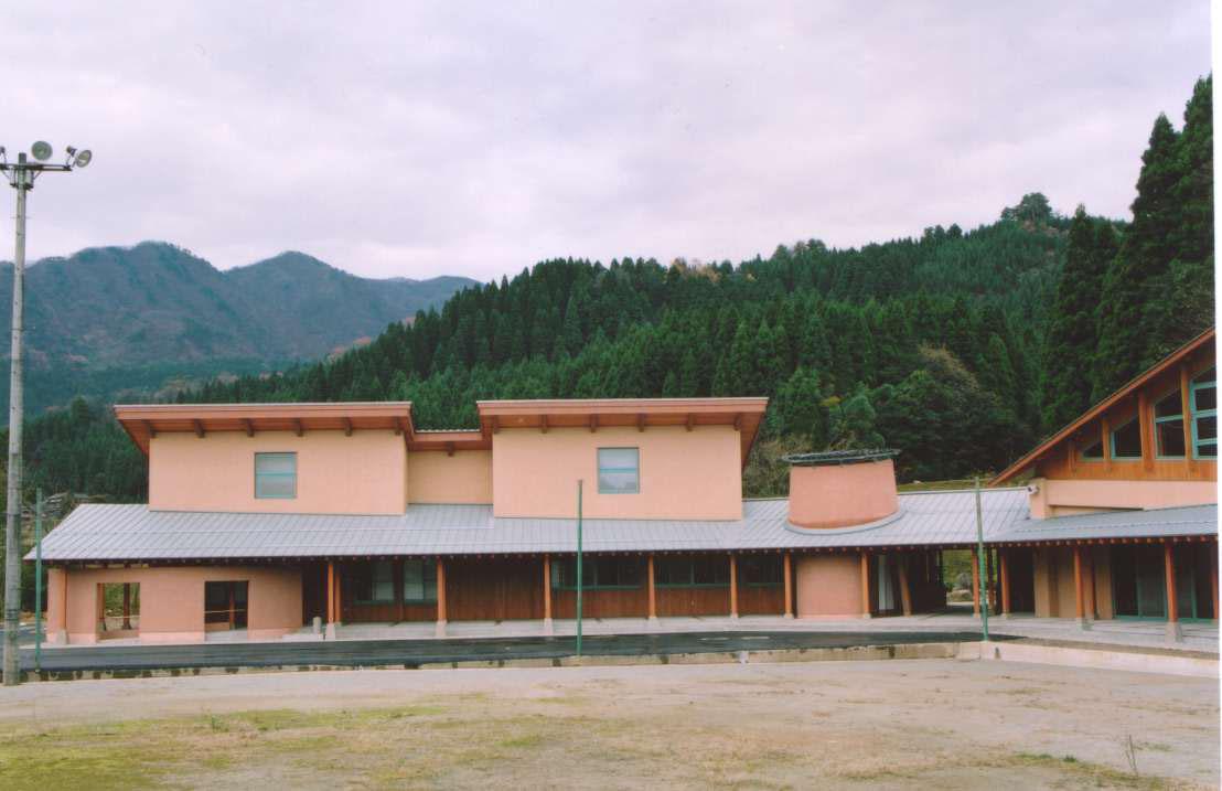 朝日町コミュニティーホール 3